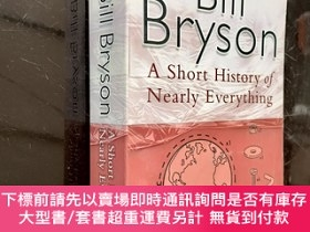 二手書博民逛書店英文原版罕見A Short History of Nearly Everything [平裝] [萬物簡史Y3