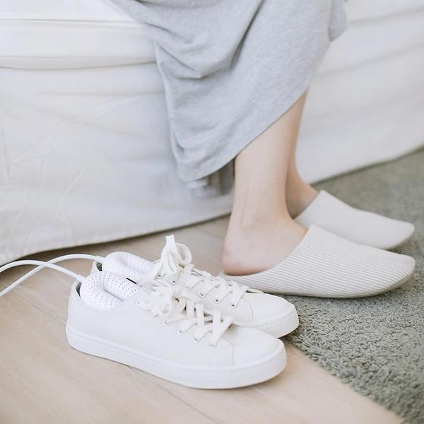 烘鞋器速幹鞋神器烘暖鞋烘幹器除臭濕鞋殺菌家用宿舍 微愛家居