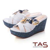 TAS 印花蝴蝶結楔型涼拖鞋-亮眼白