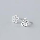 925純銀耳環(耳針式)-甜美鏤空花朵生日母親節禮物女飾品73dr74【時尚巴黎】