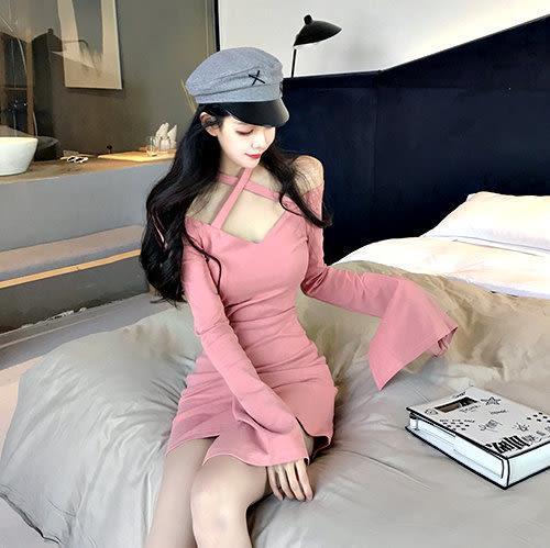 克妹Ke-Mei【AT56179】獨家,愛死了!交叉美胸喇叭袖連身洋裝