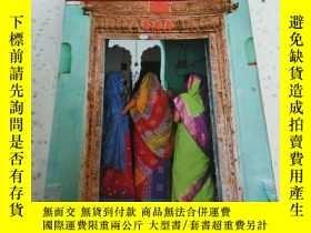 二手書博民逛書店罕見India(英文)Y212829