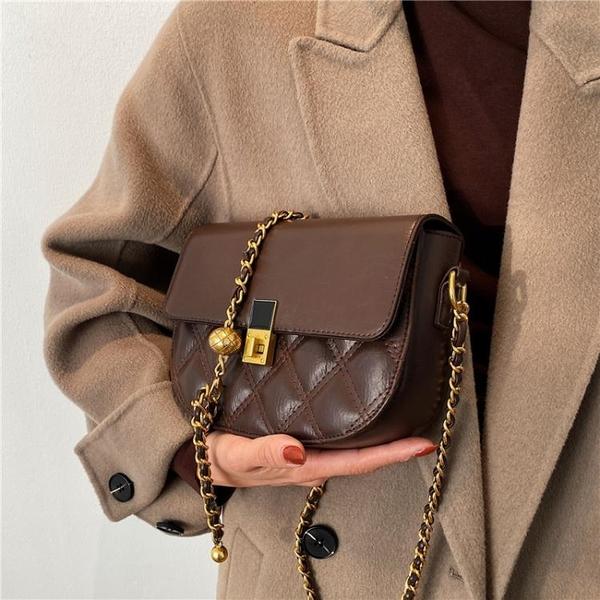 高級感洋氣小包包女2021冬季新款潮時尚百搭鍊條斜背包網紅馬鞍包 韓國時尚週 免運