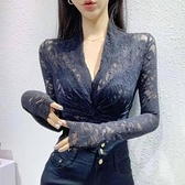 蕾丝打底衫 蕾絲打底衫女長袖春秋2020新款韓版氣質修身洋氣小衫性感v領上衣 Cocoa