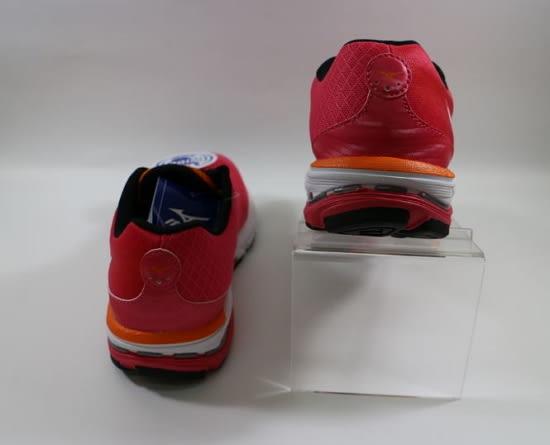 [陽光樂活] MIZUNO 美津濃 Wave 女慢跑鞋 WAVE UNITUS WIDE (W) 寬楦 J1GF152201 輕量 避震 舒適 透氣