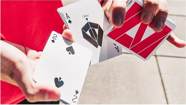 【USPCC撲克】 Limited Edition Mako Red Playing Cards by Toomas Pintson