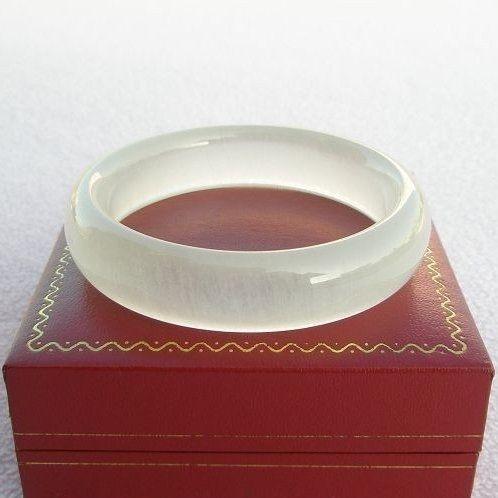 【歡喜心珠寶】【天然極品冰種蠶絲玉手鐲】手環17圍,天然地方玉「附保証書」亦稱冰種纏絲玉