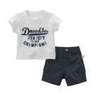 套裝 Dave Bella 短袖上衣+短褲 套裝2件組 - 白底草寫字母 DB5872