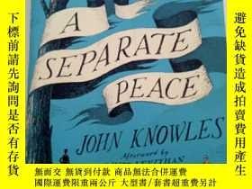 二手書博民逛書店獨自和解罕見(約翰諾爾斯代表作)【英文原版】A Separate