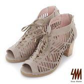 ★新品上市★【SM】羅馬系列-民俗鏤空綁帶中高粗跟涼鞋(灰色)