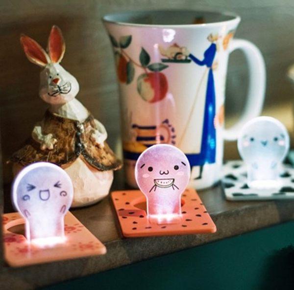現貨-紙卡小夜燈 顏文字卡片燈 LED燈 電池小夜燈 交換禮物【A102】『蕾漫家』