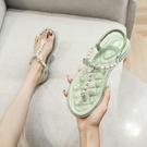 夾趾涼鞋女平底2021新款夏季夾腳珍珠羅馬人字拖仙女風大碼41一43 果果輕時尚