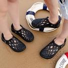 海灘鞋 涼鞋男女迷彩沙灘鞋潮流韓版鏤空透氣男士涼拖個性外穿防滑洞洞鞋