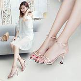 韓版一字扣帶貓跟高跟鞋時尚鉚釘性感細跟露趾涼鞋女 黛尼時尚精品