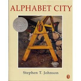 【麥克書店】ALPHABET CITY /英文繪本《得獎繪本》