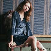 洋裝 天鵝絨V領荷葉袖洋裝2色 -AIR SPACE