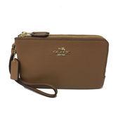 【COACH】馬車金屬LOGO 皮革L型雙層拉鍊手拿包零錢包(焦糖)