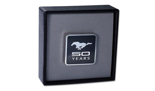 【原廠精品】莫名其妙倉庫 福特 Ford MUSTANG 野馬 50週年紀念徽章 P1N02 FCE9803 AB
