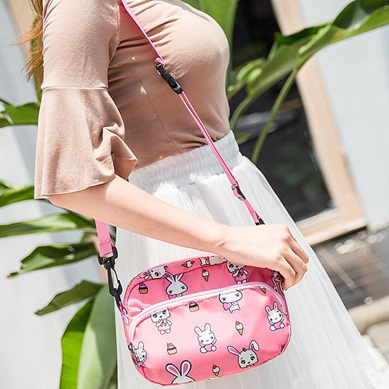 多背式印花包 腰包 肩背 側背包 收納袋 旅行 出差 大容量 分類手機【A013-1】米菈生活館