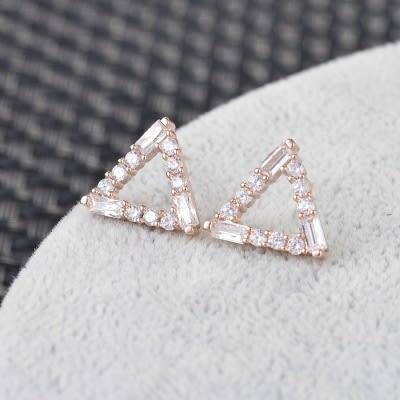 耳環 925純銀 鑲鑽-鏤空三角形生日情人節禮物女飾品2色73hz90[時尚巴黎]
