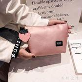 化妝包小號便攜韓版超火大容量袋少女心手機口紅化妝品收納袋CC2044『美鞋公社』