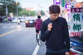【蟹老闆】Calvin Klein CK 男大學T 雙色領口 紅LOGO 黑色