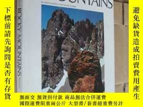 二手書博民逛書店ROCKY罕見MOUNTAINS (By David Muench. Text David Sumner) 山 英