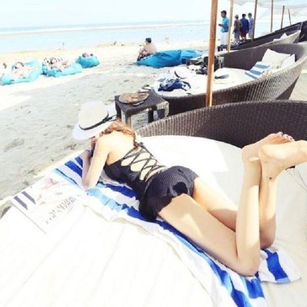 現貨★梨卡 - 比基尼連身泳裝 [美胸+超集中+綁脖+有鋼圈]超露背胸前綁帶 - 梨卡C411