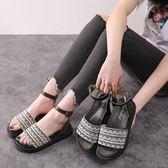 楔型厚底涼鞋 夏季韓版羅馬平底涼鞋女松糕百搭學生鞋大碼女鞋《小師妹》sm2372