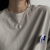 一佳生活館 小眾設計感字母圓牌吊墜項鏈女 鎖骨鏈簡約冷淡風嘻哈鏈子配飾