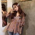 格子襯衫女寬鬆夏季新款韓版時尚娃娃衫學生短袖上衣V領襯衣快速出貨