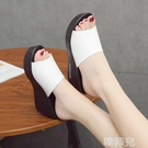 厚底拖鞋 夏季新款厚底高跟坡跟一字拖外穿女涼拖防水台女拖鞋百搭女鞋 韓菲兒
