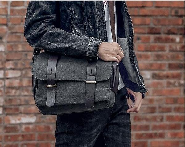 FINDSENSE品牌 韓國 新款 男士  FIN韓國 出品包款 學生 書包 斜跨 帆布包 潮流