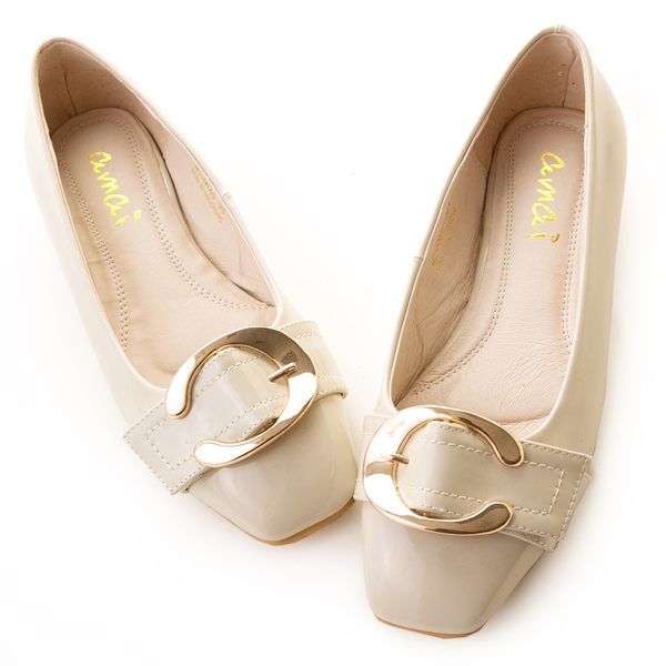 amai輕熟漆皮金屬C釦平底方頭鞋 灰