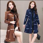 中大尺碼外套風衣開衫大衣L-5XL胖mm大碼女裝風衣中長款流行韓版收腰薄外套NE06-A.9386依品國際