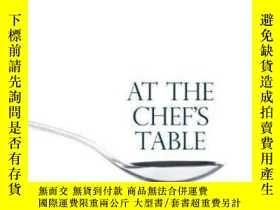 二手書博民逛書店At罕見The Chef s Table-在廚師的桌子上Y436638 Vanina Leschziner S