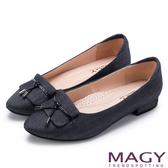 MAGY 復古上城女孩 質感牛仔布料粗低跟鞋-黑色