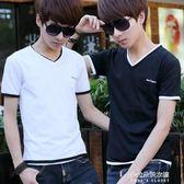 男士短袖t恤新款個性潮流修身上衣服學生韓版v領半袖男生  朵拉朵衣櫥