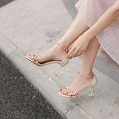 高跟鞋涼鞋女一字扣貓跟鞋高跟涼鞋女細跟歐洲站百搭鉚釘露趾鞋 愛麗絲精品