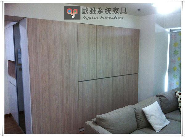 【歐雅系統家具】系統家具 系統收納櫃 特殊鞋櫃+沙發背牆收納設計