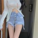【Charm Beauty】破洞牛仔褲女 夏季 設計感 高腰短褲 熱褲 2021新款 韓版 闊腿褲 辣妹褲子