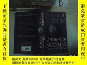 二手書博民逛書店A罕見Storm of Swords, Part 2:Blood and Gold 刀光劍影下:血與金 (01)奇