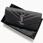 ■現貨在台■ 專櫃63折■Saint Laurent YSL Monogram 荔枝皮翻蓋信封式皮夾 長夾 黑色 銀LOGO