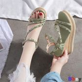 【Bbay】 楔型涼鞋 坡跟涼鞋 厚底鞋 一字帶 高跟 鉚釘鞋
