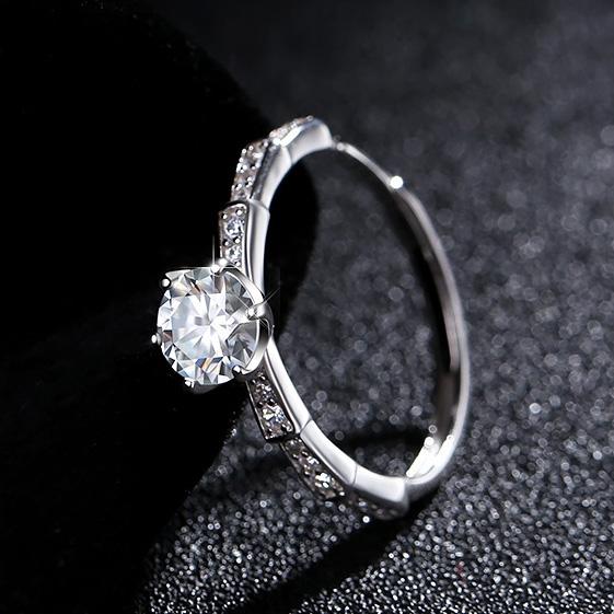 《 QBOX 》FASHION 飾品【R1023S76】精緻優雅氣質蛇骨六爪鑲鑽18K白金S925純銀開口戒指