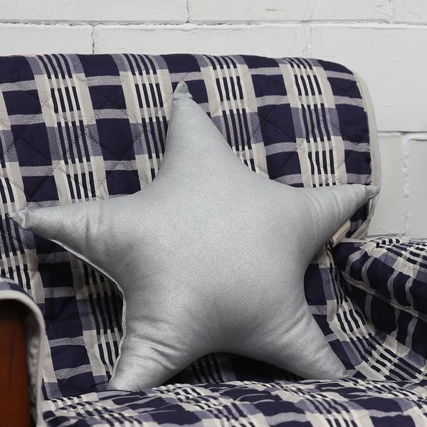 銀星皮革抱枕-生活工場