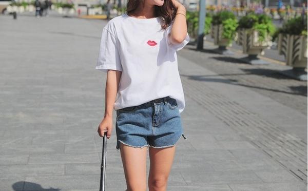 FINDSENSE H1 2018 夏裝新款韓版純棉短袖t恤女韓範寬鬆半袖繡花上