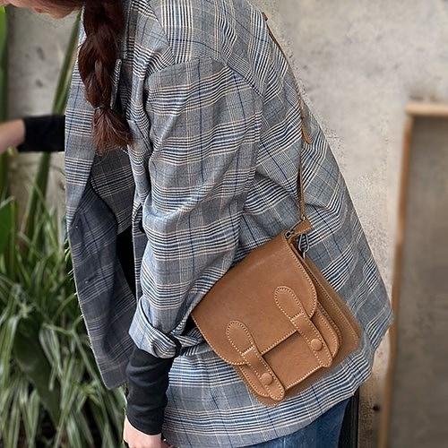 真皮側背包-復古英倫風羊皮郵差包女肩背包73yq14【時尚巴黎】