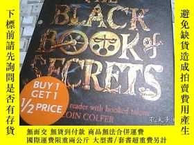 二手書博民逛書店THE罕見BLACK BOOK of SECRETS 祕密的黑皮