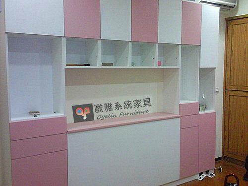 【歐雅系統家具】柔美色系 雙色小孩房床頭櫃設計